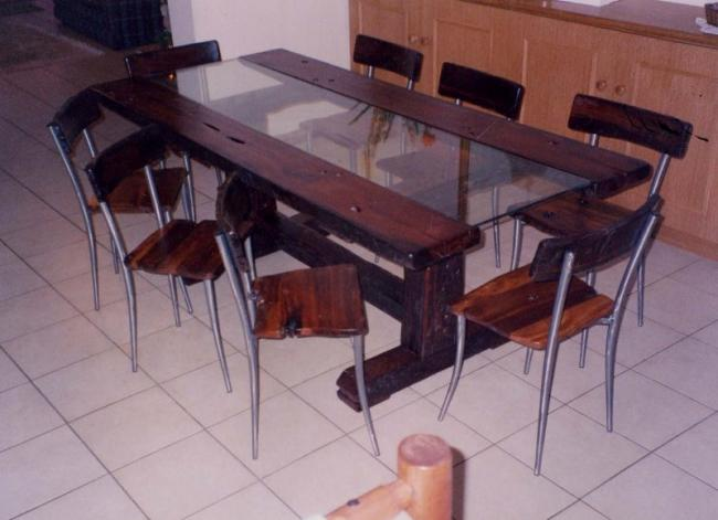 Sleeper Glass T-Leg Table.jpg