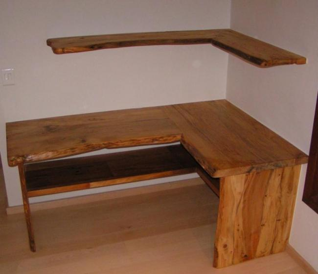 Stone Pine - Desk.JPG