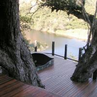 Red Gum Stepped Deck with Jacuzi.jpg